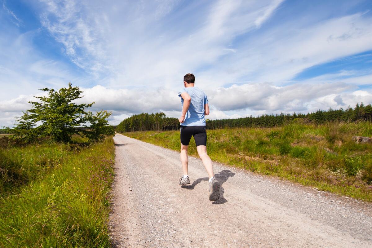 poranne nawyki ludzi sukcesu - bieganie (Jim Kwik)