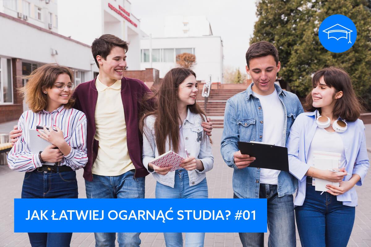 studenci studia pierwszy rok pierwszaki młodzi uśmiechnięci ludzie