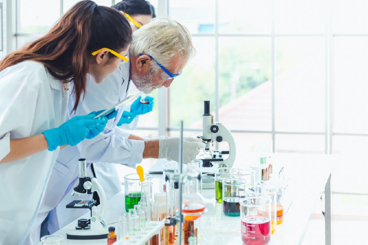 jak ogarnąc plan na studiach lekcje laboratorium chemia probówki badania